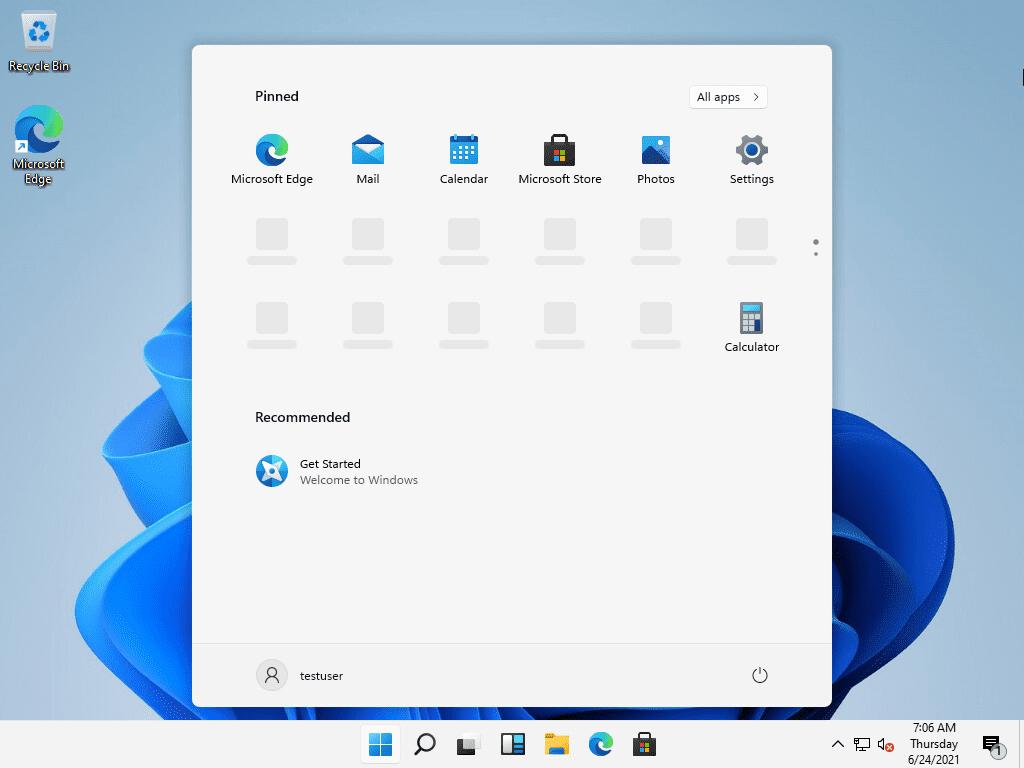 First look at the windows 11 desktop